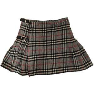 3/$750 - Vintage wool Burberrys mini skirt